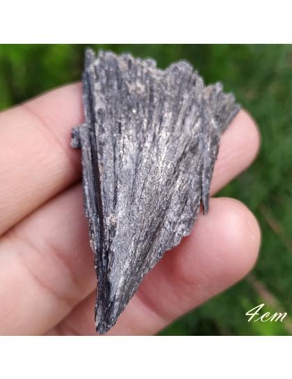 Vassoura de Bruxa ou Cianita Preta 4cm